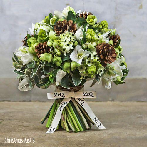 Ook in je bruidsboeket kan je denneappels verwerken. Inspiratie winter bruiloft #TrouwPartners
