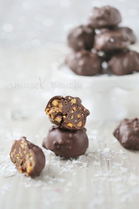 http://www.amusesbouche.fr/article-mini-rocher-chocolat-cacahuete-121539032.html