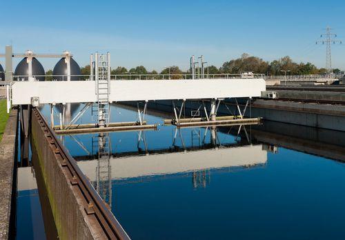Puente desarenador aguas residuales o negras Depurado EDAR (Planta PTAR)