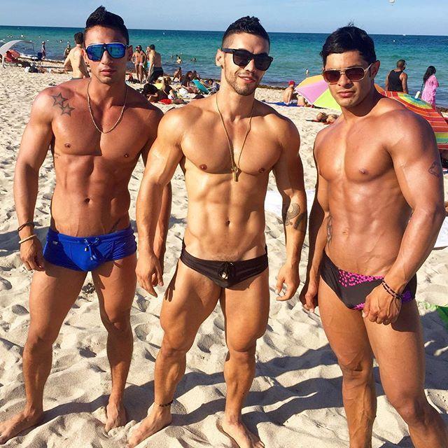 gay guys bums