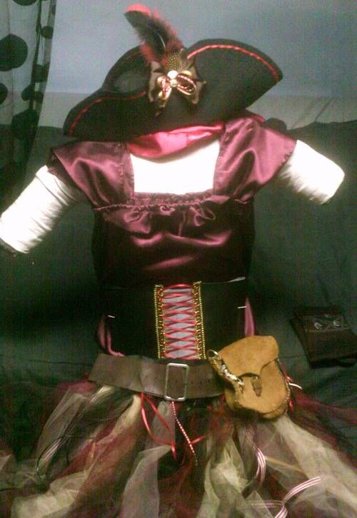 Pirate Princess costume (for a 7 yr old girl) for Halloween - OCCASIONS AND HOLIDAYS