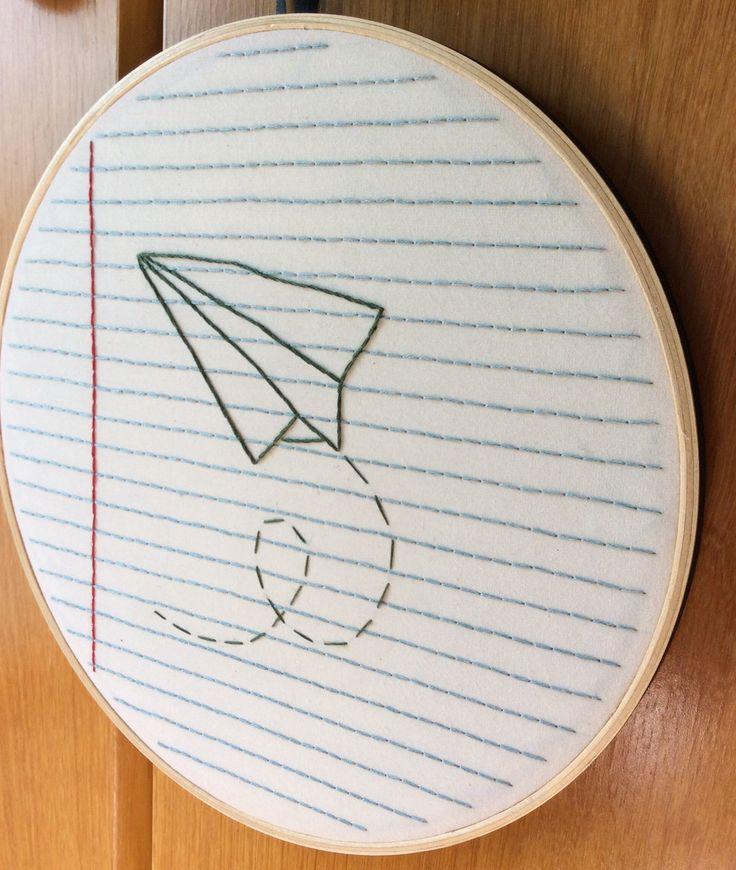 """quadrinho """"fusca"""", feito com bastidor de madeira. as cores e o tecido podem ser personalizados. opção com alça para pendurar ou sem, para quadros que serão """"colados"""" na parede. <br> <br>OPÇÕES DE DIÂMETRO DO BASTIDOR E VALORES: <br>10 ou 12 cm: R$ 60 <br>14 ou 16 cm: R$ 65 <br>18 ou 20 cm: R$ 70 <br>22 ou 24 cm: R$ 75"""