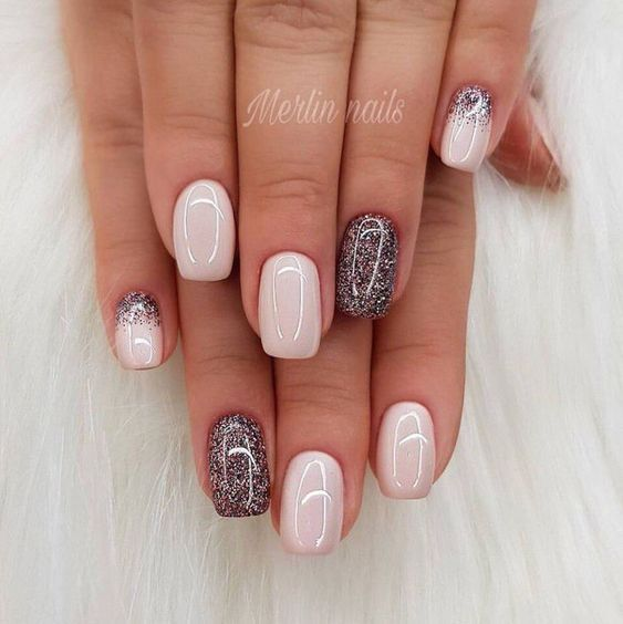 Glitzer-Akzente # French TipNails – Beauty – kleider