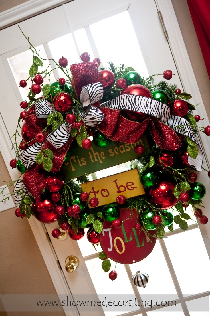 Fun Christmas wreath with a pop of animal print.Christmas Wreaths, Holiday Wreaths, Cute Ideas, Jolly Wreaths, Animal Prints, Zebras Prints, Wreaths Ideas, Christmas Decor, Holiday Decor