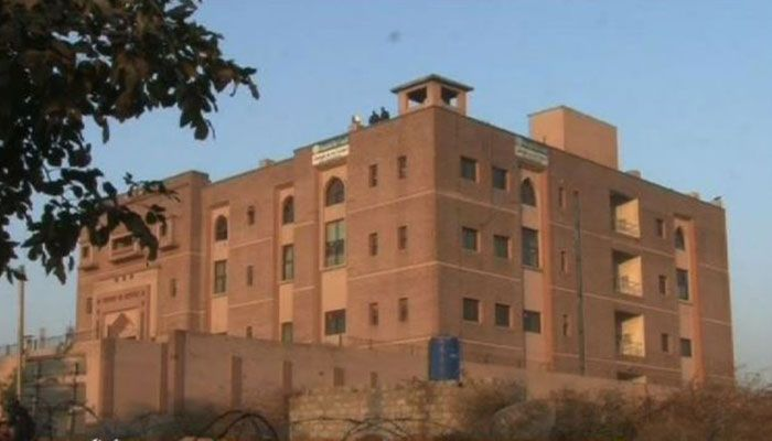 Blasphemous content case: ATC issues non-bailable warrants against three absconding witnesses  http://www.bicplanet.com/pakistan-news/blasphemous-content-case-atc-issues-non-bailable-warrants-against-three-absconding-witnesses/  #Pakistan