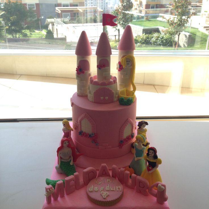 Prensesler pasta, prenses pasta, şato pasta.. She bee pasta&kurabiye  She bee cake&cookie