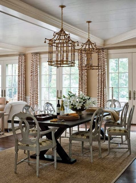 Chinoiserie Chic: Pagoda Chandeliers in Dining Rooms