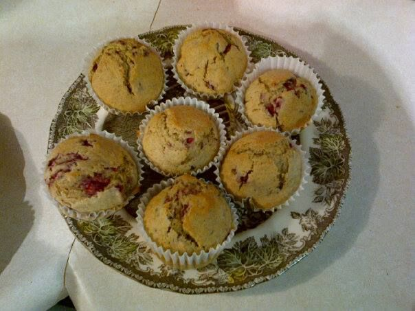 Lemond raspberry muffins! Low calorie and dairy free