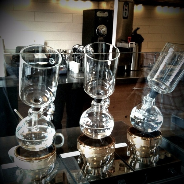 Starbucks Siphon Coffee Maker : 1000+ images about Siphon coffee maker on Pinterest Best iced coffee, Coffee maker and Coffee
