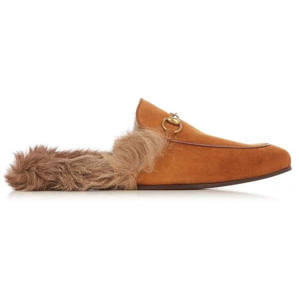 Gucci Princetown fur-lined leather loafers ($870) ❤ liked on Polyvore featuring men's fashion, men's shoes, men's loafers, brown, shoes, mens leather shoes, mens fur lined shoes, mens loafer shoes, mens brown leather shoes and mens brown loafer shoes