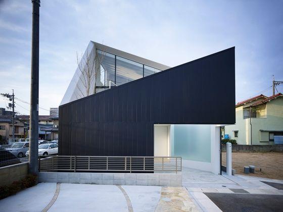 FUTURE STUDIO-Wrap House