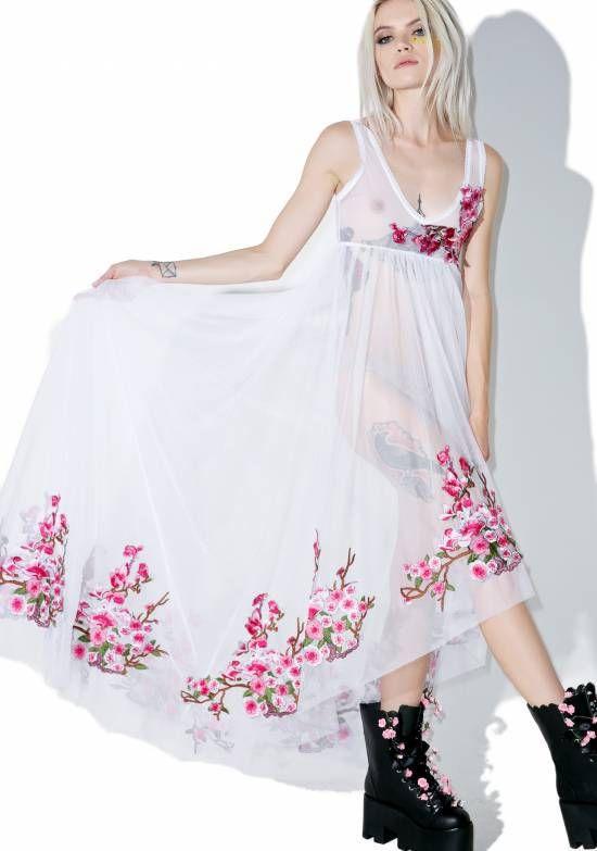 Punk Ass Bride Wedding Dress Shoes | Wedding Trends Guide #punkwedding #punkbride #weddings #weddingtrends #punkrockbride #punkrockwedding http://weddingdesignchic.com/punk-bride/
