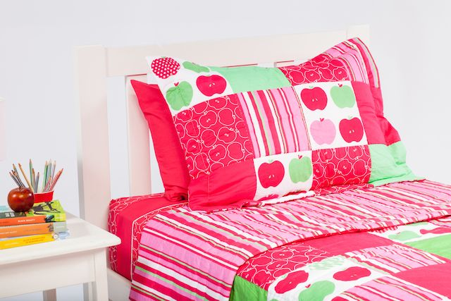 Cool Kids Rooms patchwork coverlet has gorgeous colours and a great design.