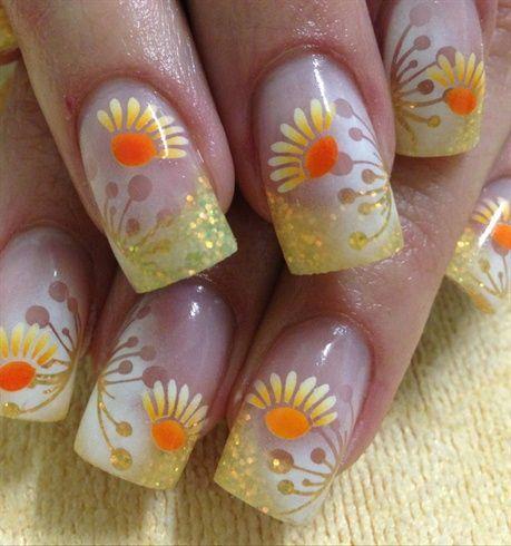 uñas acrilicas decoradas con flores - Acrylic nails with flowers