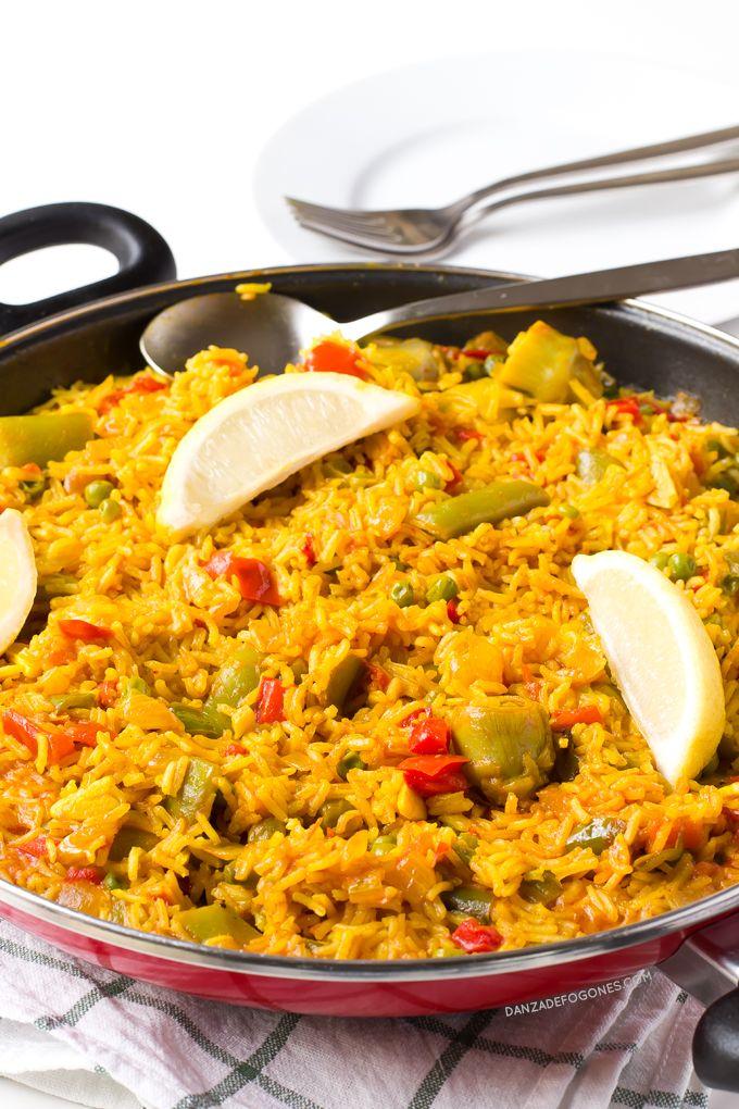 La paella es uno de los platos más típicos de la gastronomía española. Esta paella es vegana y es más sana, ligera y económica que la tradicional.
