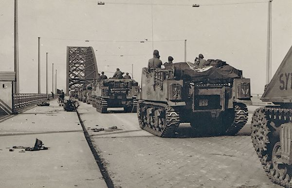 20 Sep 44: Day Four of Operation Market Garden. The British Guards Armored Division links up with paratroopers of the US 82nd Airborne Division at Nijmegen, Netherlands, in a joint attack and capture the bridge over the Waal River intact. But it will all be for naught. More: http://scanningwwii.com/a?d=0920&s=440920 #WWII