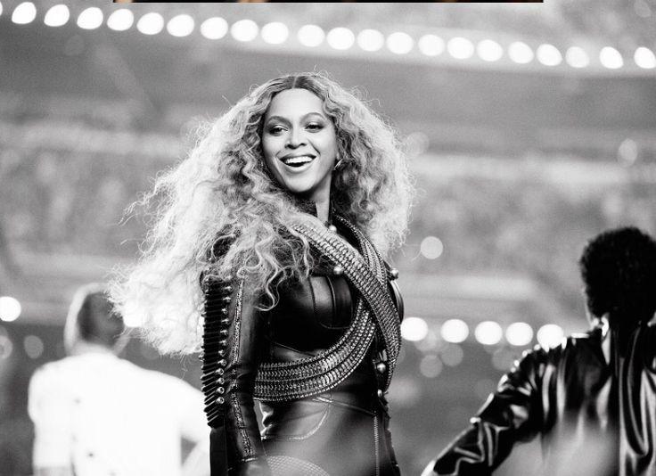 Super Bowl 50 Levis Stadium 2/7/2016 performing FORMATION