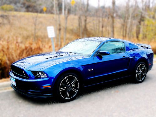 Ford Mustang itu0027s awesome blue. My favoritest car ever! & 157 best Ford Blue images on Pinterest | Ford mustangs Dream cars ... markmcfarlin.com