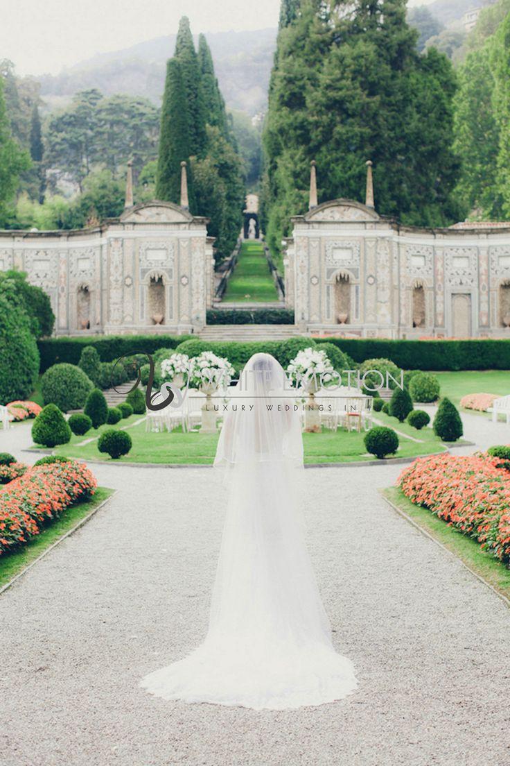 #elegant #bride at #villadeste on a summer #lakecomo #wedding
