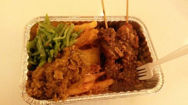De allerbeste Caraïbische soulfood in Rotterdam vind je in deze post! Roti bij toko Asha, tjapsalon bij Warung Mirosso, Amerikaanse soulfood bij Streetfoodbar en nog veel meer