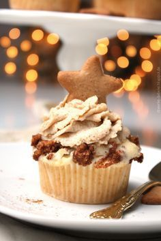 Baked apple cupcakes with speculum cream topping