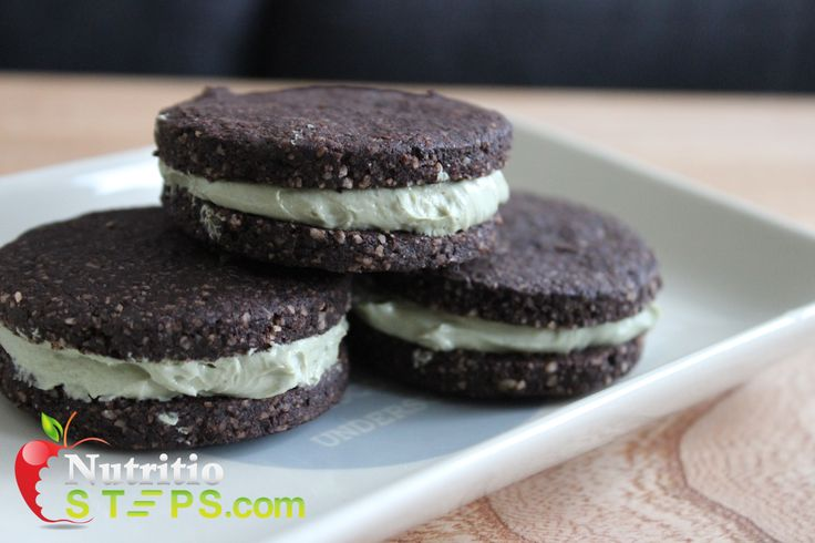 HEALTHY PALEO COOKIE DOUGH INSPIRED OREO BISCUITS – GREEN TEA MATCHA FILLING