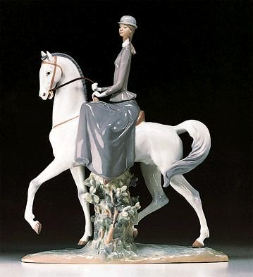 LLADRO - WOMAN ON HORSE