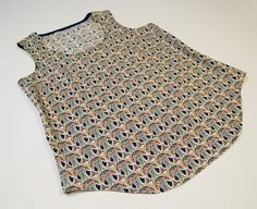 Create a pattern and sew a tank top on ReallyHandmade.com! Easy neckline and armscye binding.