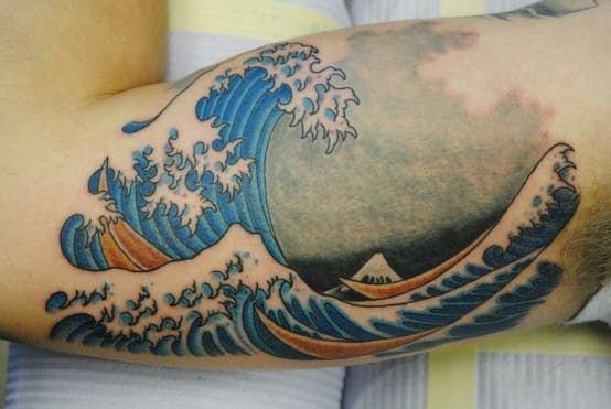 10 Beautiful Japanese Wave Tattoos