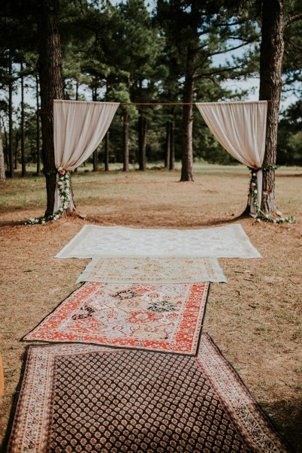 this ranch wedding in oklahoma features cozy ceremony dcor details like vintage brass crocheted afghans and mismatched area rugs