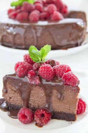 Nagerecht. Chocolade cheese-cake uit de oven