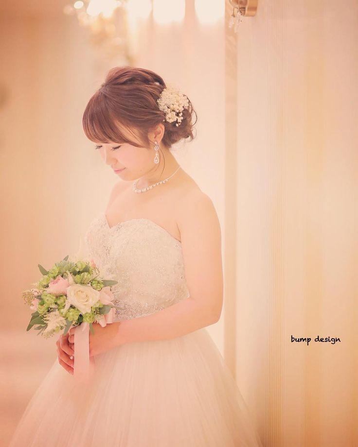 #新婦  新婦さんのソロはちょっぴり落ち着いた感じでカッコよく  撮り方にメリハリをつけるとより楽しい写真にもクールな感じにも違いが出て流れが変わっていい感じ  そしてそんなどちらの表情も上手く出来ちゃう2人が素晴らしい  #結婚#結婚式#結婚写真#ブライダル#ウェディング#wedding#前撮り#ロケーション前撮り#ドレス#カメラマン#結婚式カメラマン#ブライダルカメラマン#写真家#結婚式準備#花嫁準備#花嫁#プレ花嫁#プロポーズ#名古屋結婚式#ウェディングドレス#バンプデザイン#bumpdesign#instagramwedding#instagramjapan#イトウスグル#IGersJP#写真好きな人と繋がりたい #ファインダー越しの私の世界#日本中のプレ花嫁さんと繋がりたい
