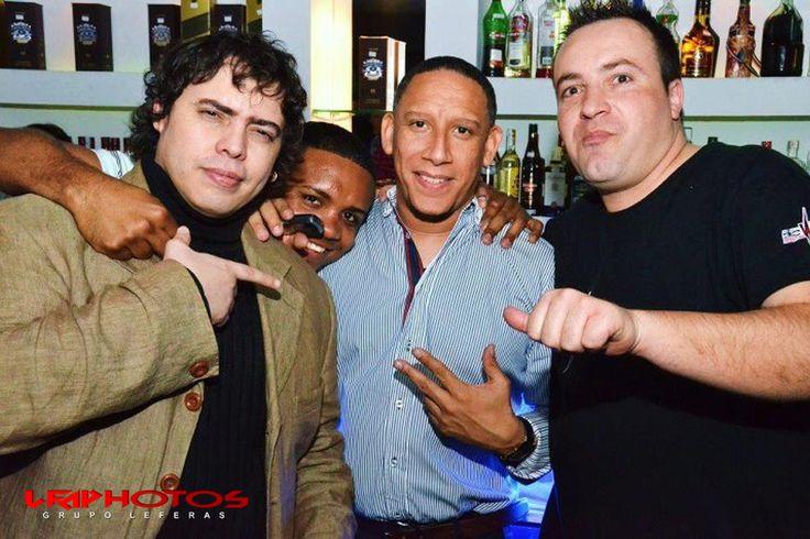 León Fernández™ con el Sebas y Rapha de Brisas del Caribe