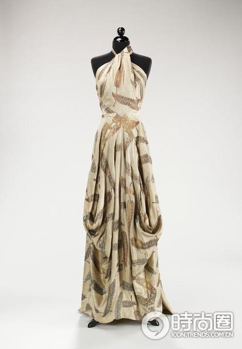 Maxi dress fashion history