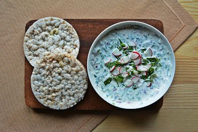 Light cream cheese with arugula and radish