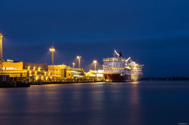 Blue hour shot: Viking Line, Kauppatori | Helsinki #Finland