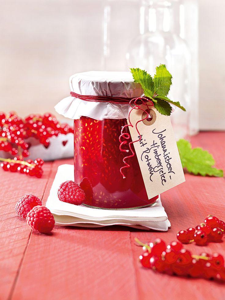 Johannisbeer-Himbeergelee mit Rotwein -  Johannisbeergelee mit Himbeeren und einer feinen Rotweinnote