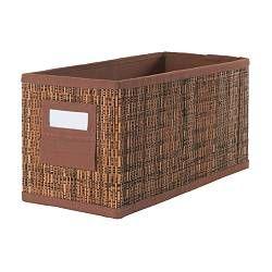 Caja para guardar dentro de closets y despensas, en especial para botellas y frascos de higiene personal.