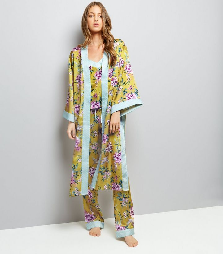 L2017 http://www.newlook.com/row/womens/clothing/nightwear/yellow-sateen-floral-print-kimono-robe/p/533150189?comp=Browse