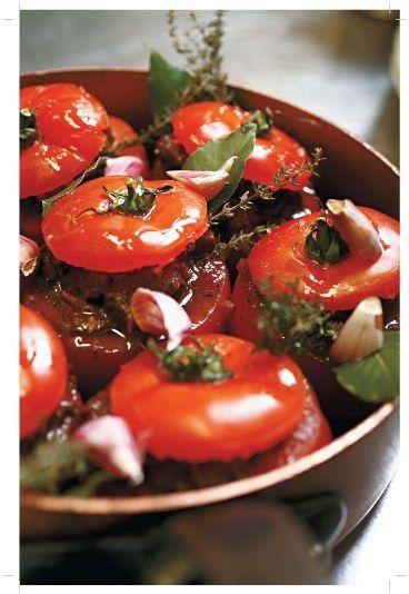 Tomates farcies au boeuf mironton, une recette de chef à refaire chez soi sans difficulté