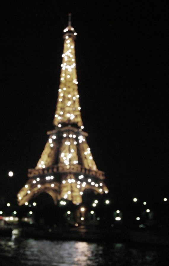 Definitely one of my top favorite things about Paris. Oh, les lumieres.