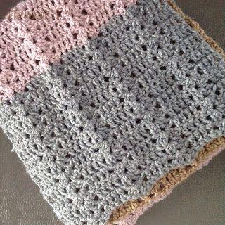 Ik wilde nog wel eens een sjaal haken, voor mezelf dan. Ik had na deze nog wat garen over. Ik vond bij Kristina Olson ( haa...