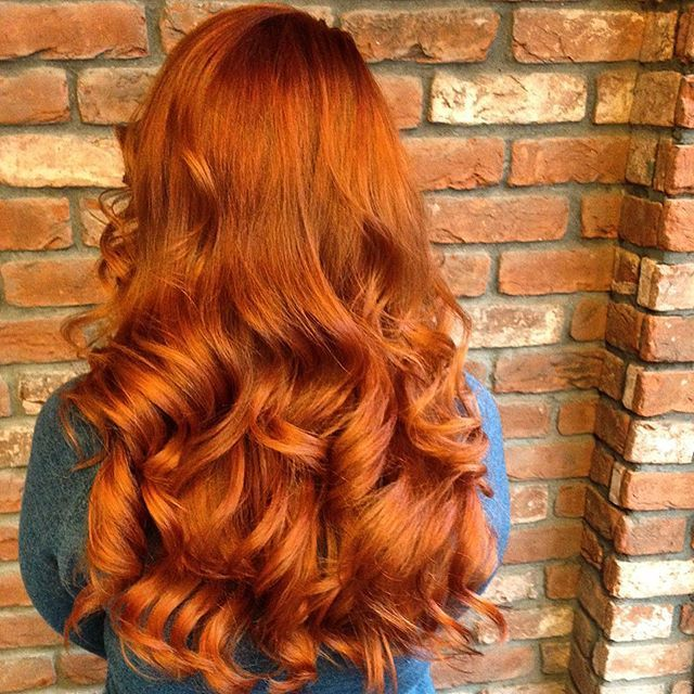 Vibrant rustic copper with the perfect big bouncy style to compliment it by…                                                                                                                                                                                 Más