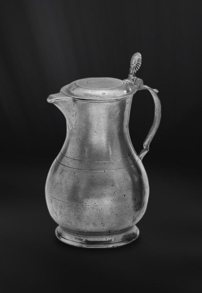 Pewter Pitcher with Lid - Height: 26 cm (10,2″) - Food Safe Product - #lidded #jug #pitcher #lid #pewter #brocca #caraffa #coperchio #peltro #krug #zinn #zinnkrug #deckel #étain #etain #peltre #tinn #олово #оловянный #tableware #dinnerware #drinkware #table #accessories #decor #design #bottega #peltro #GT #italian #handmade #made #italy #artisans #craftsmanship #craftsman #primitive #vintage #antique