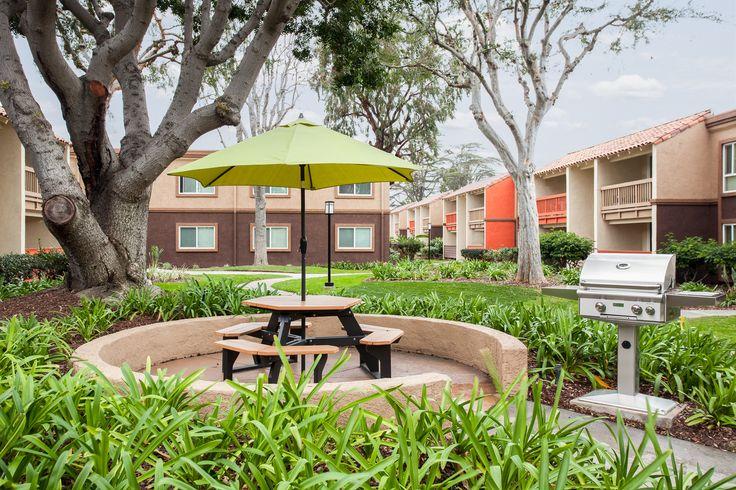 Picnic areas at Serena Vista Apartment Homes #ApartmentHomes #Home #livehappy®