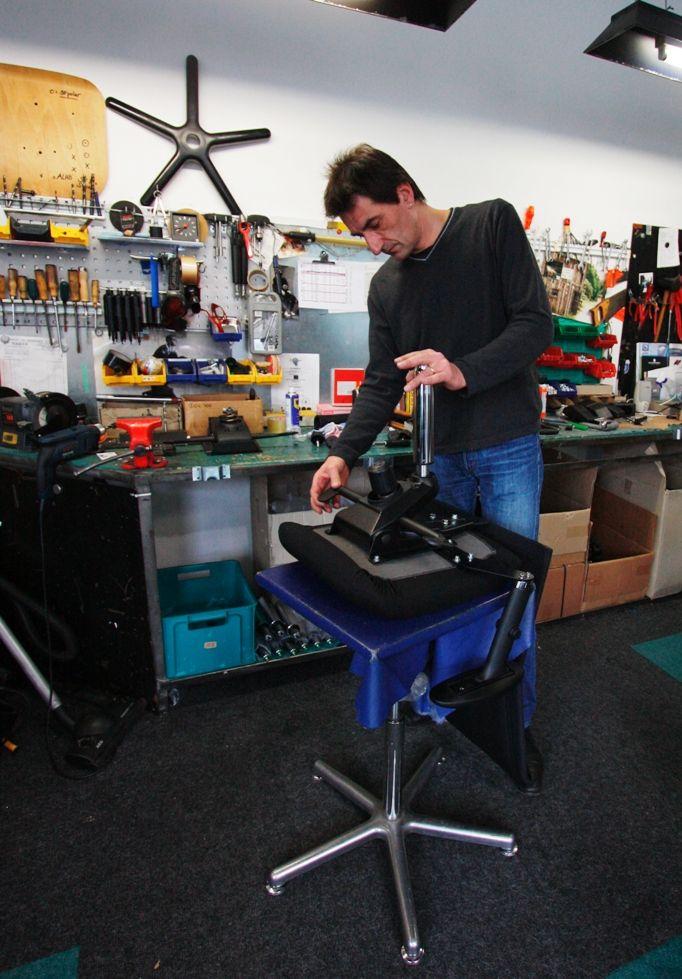Individuelle Fertigung von Bürostühlen und Arbeitshockern www.derdrehstuhl.de