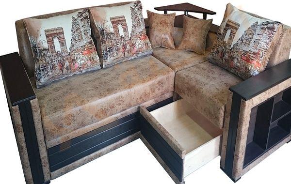 تفسير حلم رؤية أريكة في المنام الأريكة في الحلم تدل على كثير من المواقف والأحداث التي يمر بها الشخص الرائي حلم شراء صالون جد Home Decor Sectional Couch Couch