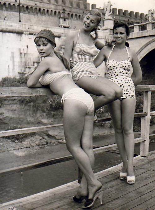 vintage beauties... What REAL women are shaped like!
