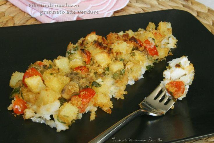 Il FILETTO DI MERLUZZO GRATINATO ALLE VERDURE è un secondo piatto estremamente semplice da preparare ma con un sapore intenso,col suo contorno è completo!