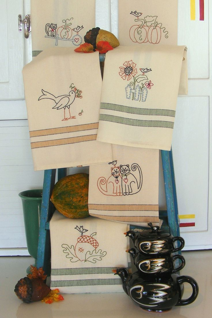 Harvest Tea Towel - These Fall themed tea towels will make a great addition to your kitchen decor. Pattern $10.00